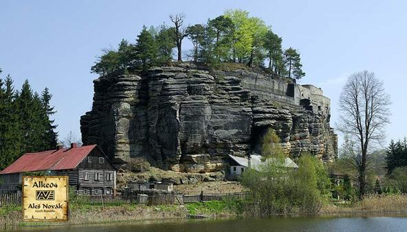 AGT 02: Skalni hrad Sloup
