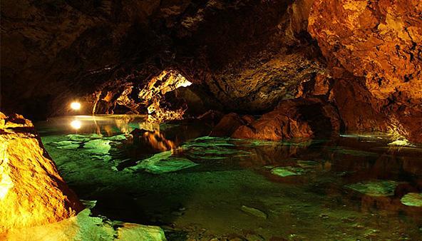 AGT 44: Bozkovske dolomitove jeskyne